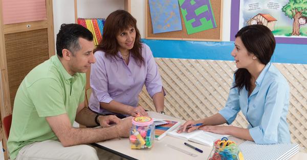 Conversaciones productivas entre padres y maestros al inicio del ...
